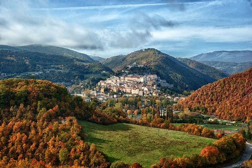 """VIAGGIO IN UMBRIA  CASCIA – NORCIA – COLLEVALENZA """"La piccola Lourdes"""""""